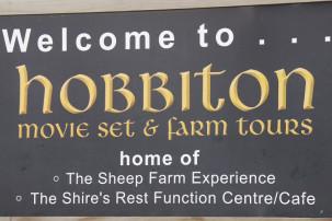 Willkommensschild Hobbiton
