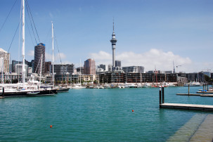 Ausblick vom Wynyard Quarter auf die Skyline Aucklands