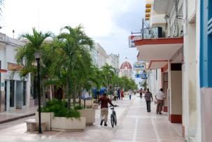 Boulevard in Cienfuegos